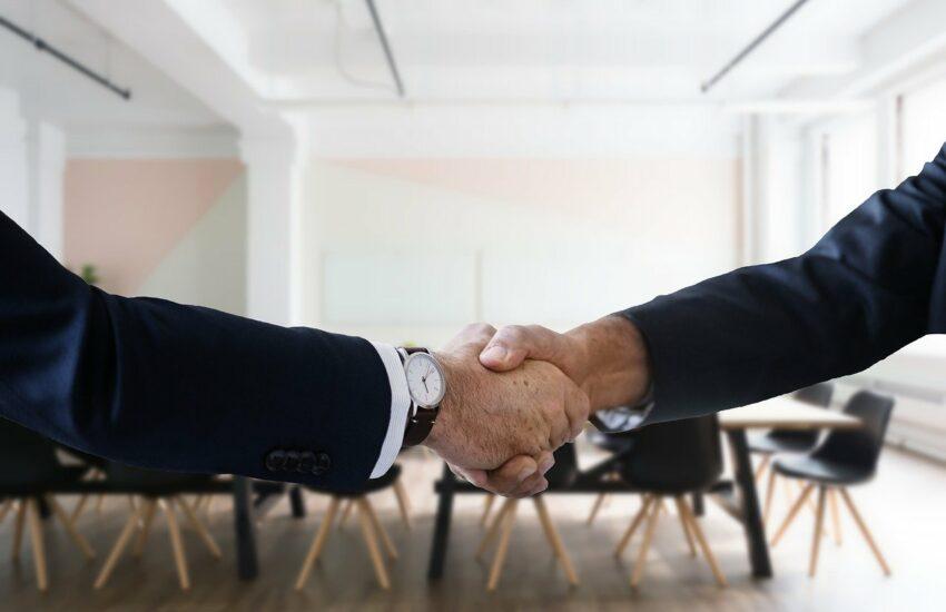 Job Interview Handshake Hiring  - Tumisu / Pixabay